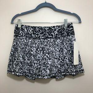 NWT! Lululemon Pace Rival Skirt! Women's size 4